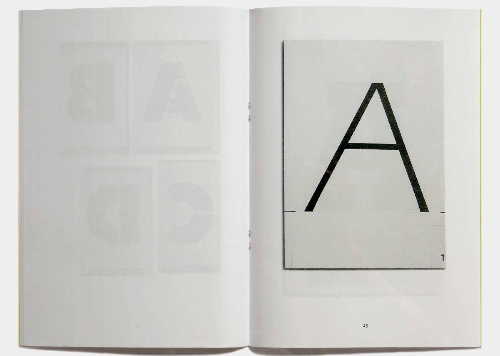 Page 25 — Caractère Eras (1961, Hollenstein; 1965, version plomb; 1976, ITC), dessin original à l'encre sur carte à gratter.