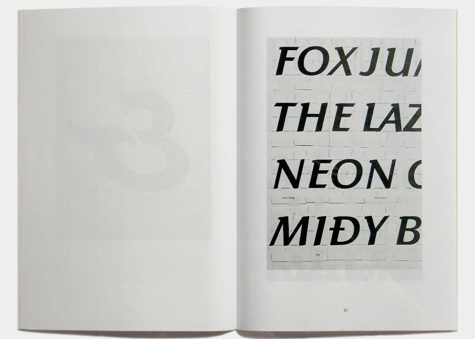 Page 31 — Caractère Linex New (1994, inédit), réglage des approches, montage papier.