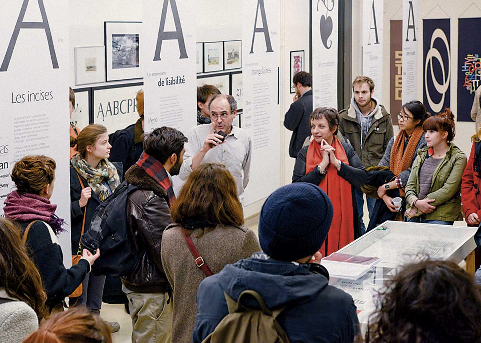 Albert Boton, vernissage exposition — Barbara Dennys et Olivier Nineuil présentent l'exposition (photo Mike Sabbagh).